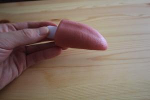 舌型(ベロ型)のローターの舌でお手伝い